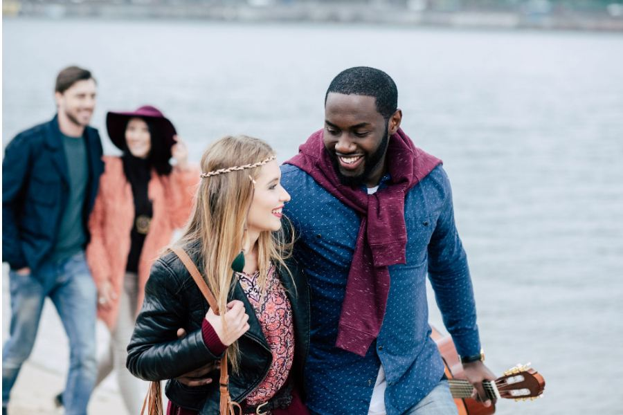 5 Undeniable Signs That a Godly Man is Pursuing You